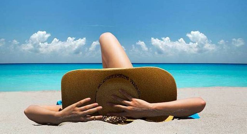 Get Glowing Tanned Skin Without Damaging Your Skin